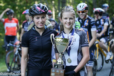 Megan Rathwell (BC Road Champion) presents 2015 Group C Women's Champion trophy to Tori Kalyniuk