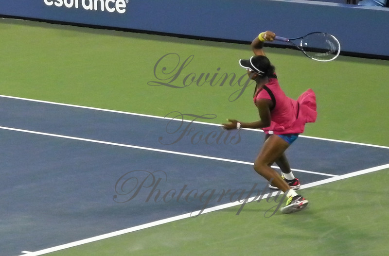 As her opponent, Victoria, began meeting and returning the Stosur forehand with her own lethal version, I was spellbound, and started snapping what I was seeing.  Sam's best shots were coming back at her in long blistering, rallies.