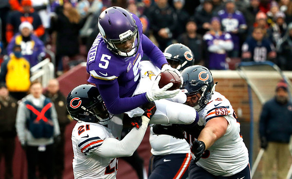 Vikings dominate Bears in 38-17 victory Dec. 20, 2015