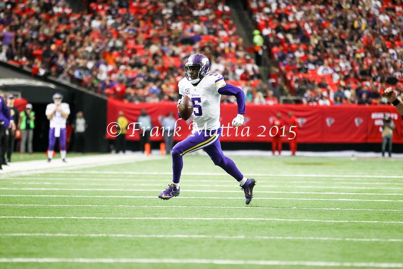 NFL: NOV 29 Vikings at Falcons