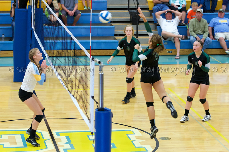 '15 Varsity Volleyball 200