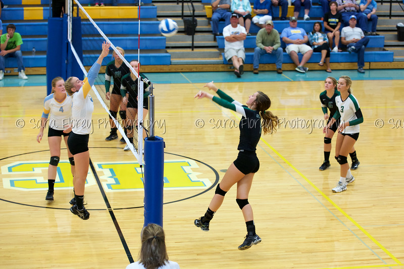 '15 Varsity Volleyball 177