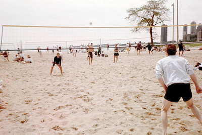 2000-6-17 Chicago Sport & Social Club - Above The Net _07