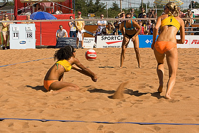 B.C.'s Sanie Marcelle passing to Kara Jensenvandoorne at Canada Games 2009 (MURR5842)