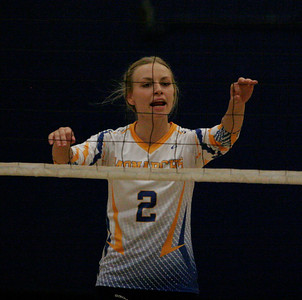 Exeter Monarch setter Jacque Hutcheson on October 17, 2013. against Kingsburg.