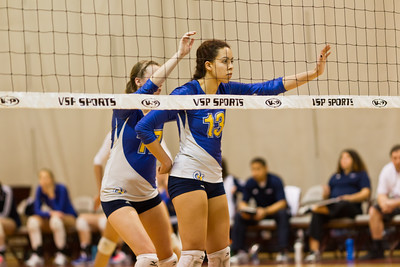 Chelsea Briscoe calling a play