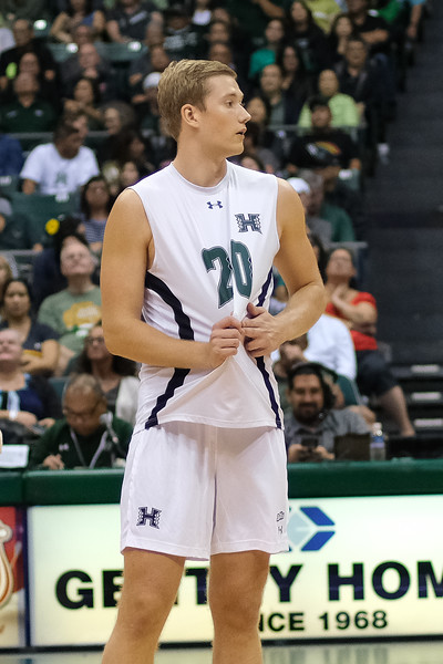 Hawaii setter Jackson Van Eekeren (20) calls a play in an opening night match against Charleston at the Stan Sheriff Center in Honolulu, Hawaii on January 3, 2020.