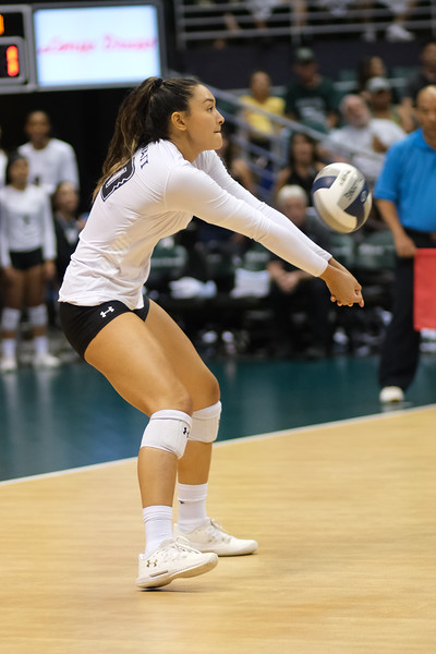 Hawaii hitter McKenna Ross receives serve in the championship match against UCLA in the Outrigger Hotels and Resorts Volleyball Challenge at the Stan Sheriff Center, Honolulu, Hawaii on September 14, 2019.