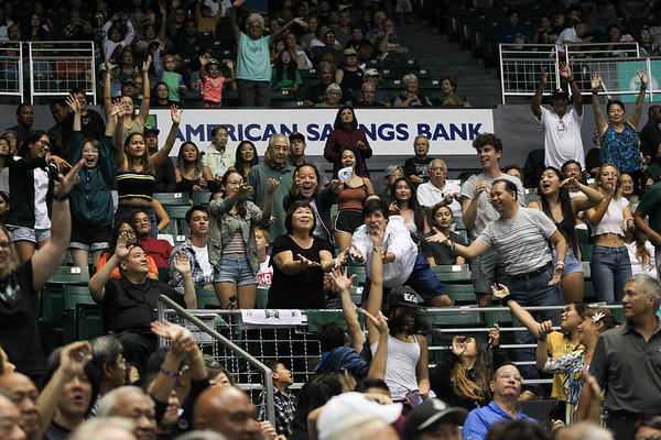 Hawaii fans catch t-shirts during the championship match against UCLA in the Outrigger Hotels and Resorts Volleyball Challenge at the Stan Sheriff Center, Honolulu, Hawaii on September 14, 2019.