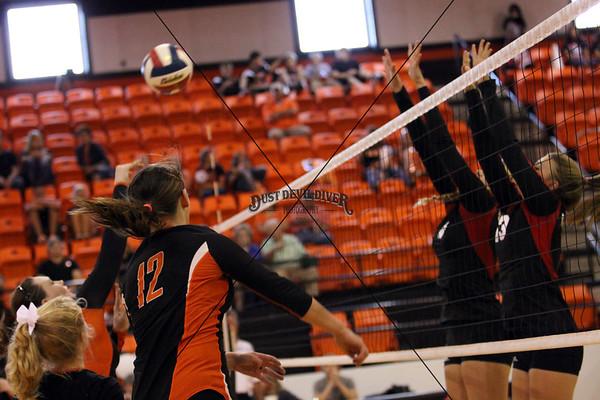 Vasity Volleyball vs Ingram