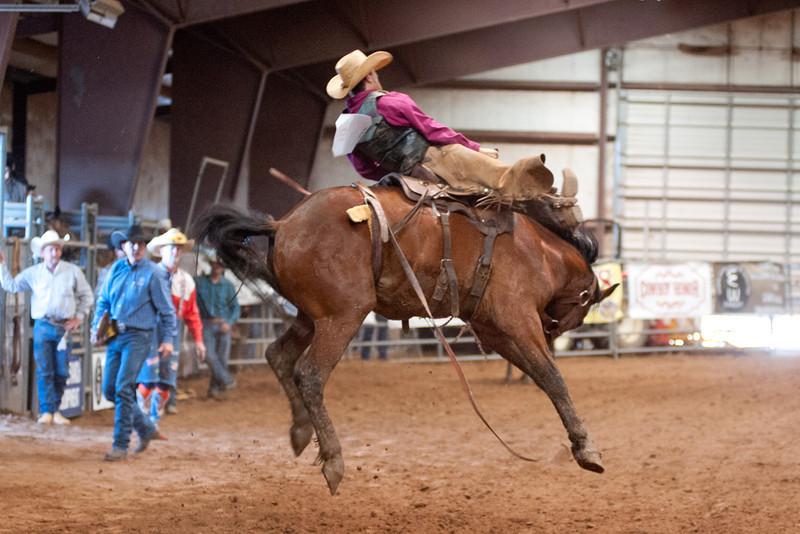 Bronc Riding8_20140524