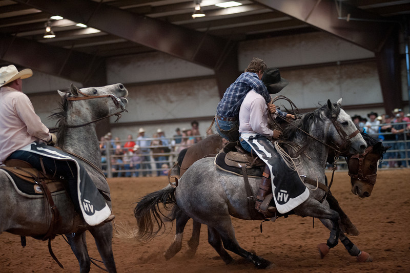 Bronc Riding14_20140524