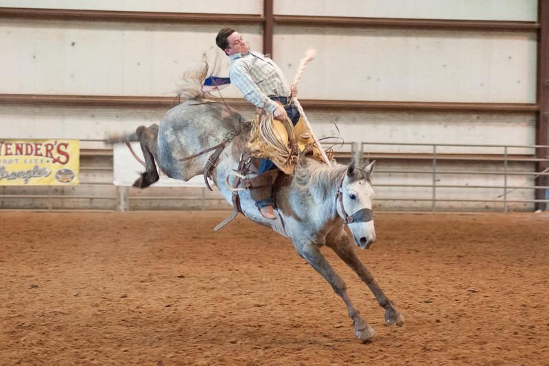 Bronc Riding19_20140524
