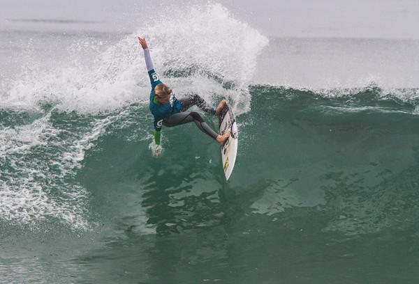 IMAGE: http://www.irish-images.com/Sports/WSA-Contest-Salt-Creek-3-23/i-ZvLSDqV/0/M/IMG_5181-M.jpg