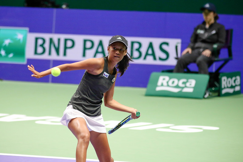Pimrada JATTAVAPORNVANIT (THA) in action at the WTA Future Stars 2017 U14 Finals against Priska NUGROHO (INA), held at Kallang Tennis Centre, Singapore on 22th Oct 2017. (Photo by Sanketa Anand, Sport Singapore)