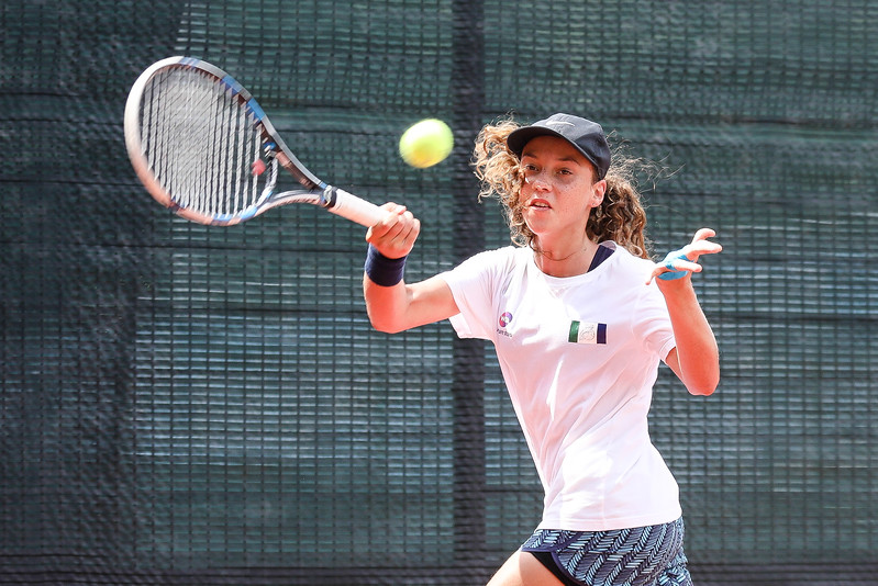 Saoirse BREEN (POC) in action during WTA Future Starts Tournament 2017, in U14 Round Robin held at Kallang Tennis Centre, Singapore. (Photo by Sanketa Anand, Sport Singapore)