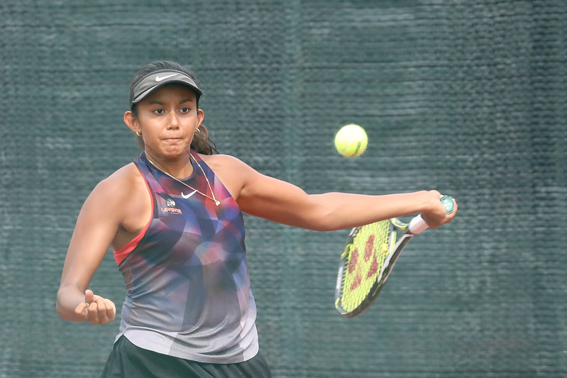Salsa AHER (IND) in action during WTA Future Starts Tournament 2017, in U16 Semi-Finals held at Kallang Tennis Centre, Singapore on 20th Oct 2017. (Photo by Sanketa Anand, Sport Singapore)