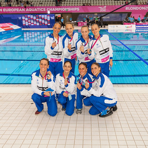The Italian team pose with their silver medals. LEN Euroean Championships, London - Synch Team Finals.