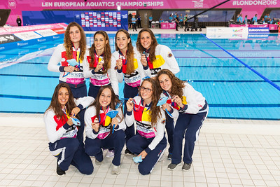 The Spanish team pose with their bronze medals. LEN Euroean Championships, London - Synch Team Finals.
