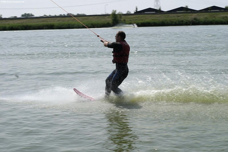 Wolfgang with his patented one-ski-style
