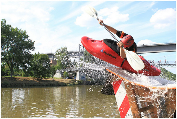 2010-07-31 Bouncing Boat 2010