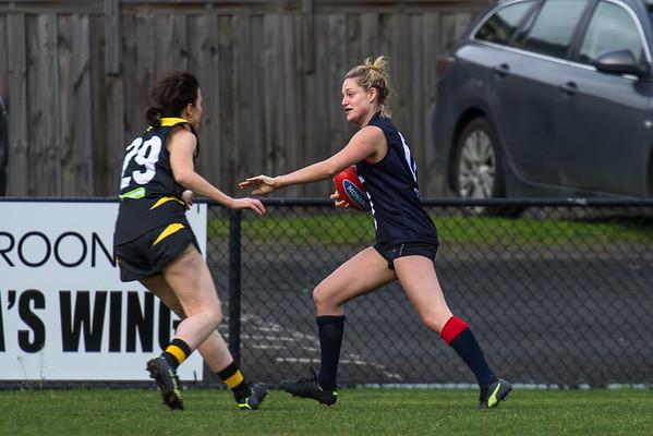 Waverley Warriors v Box Hill North - 2018 Monarch Women's AFL Masters Victorian Metropolitan Superules Round 2 Game 2