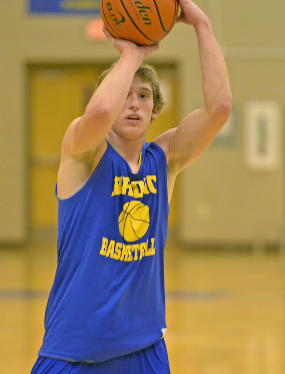 Parker Christensen shoots a jump shot during practice on Monday, Jan. 23 at Sheridan High School. Mike Pruden | The Sheridan Press