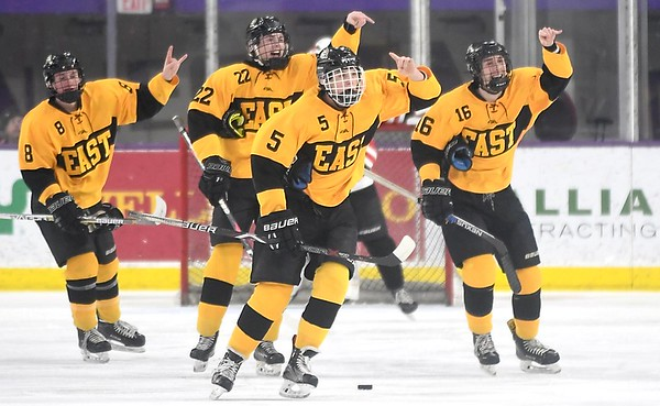 Mankato East/Loyola v. Mankato West boys hockey 3
