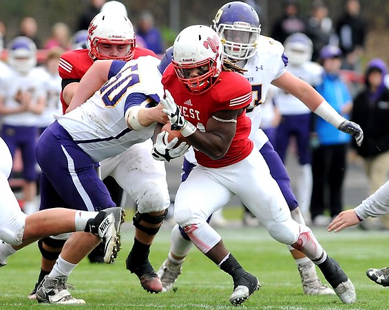 Mankato West running back C.J. Terry