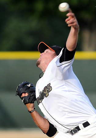 Mankato MoonDogs starting pitcher Wayland Moore delivers a pitch during their game against Waterloo Saturday.