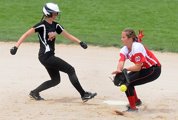 Mankato West softball v. Winona