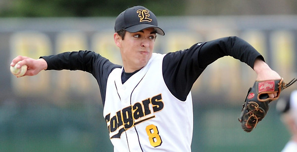 Pat Christman<br /> Mankato East pitcher Arlen Nett delivers a pitch during the first game of a doubleheader against Rochester Mayo Thursday.