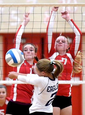 Mankato West volleyball v. New Ulm 1