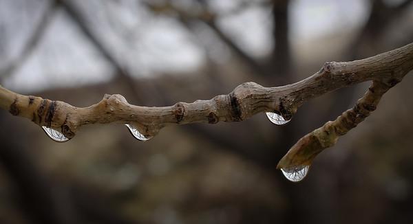 Raindrops keep fallin' on my head.
