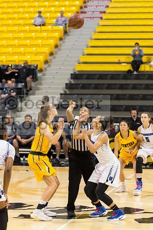 CIF Regional Final: Windward School Girls Basketball vs Ventura 3-18-17 (photo: Joe Lester)