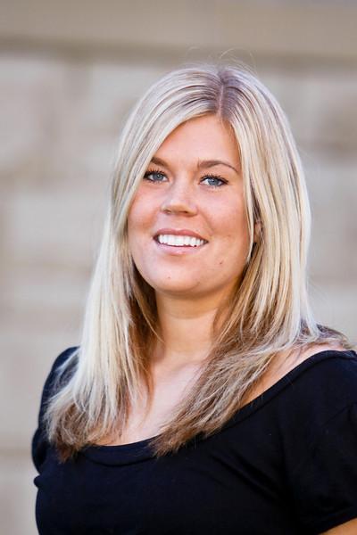 #42 Emmelie Lundgren<br /> Height/Year: 6-2/Senior<br /> Position: Center<br /> Hometown: Lulea, Sweden<br /> Major: Business Management<br /> Parents: Ola Wanjura and Nina Lundgren
