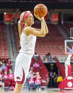Arkansas Lady Razorbacks guard/forward Keiryn Swenson (4) shoots during a basketball game between Arkansas and Alabama on 2-18-16.   (Alan Jamison, Nate Allen Sports Service)
