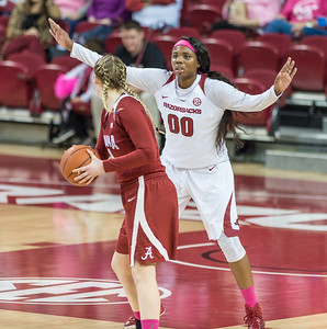 Arkansas Lady Razorbacks forward Jessica Jackson (00) on defense during a basketball game between Arkansas and Alabama on 2-18-16.   (Alan Jamison, Nate Allen Sports Service)