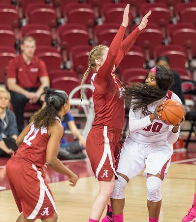 Arkansas Lady Razorbacks forward Jessica Jackson (00) prepares to shoot during a basketball game between Arkansas and Alabama on 2-18-16.   (Alan Jamison, Nate Allen Sports Service)