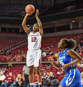 Arkansas Lady Razorbacks guard Briunna Freeman (12) shoots during a basketball game between Arkansas and Tulsa on November 23, 2015.    (Alan Jamison, Nate Allen Sports Service)