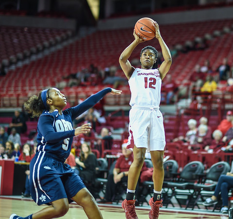 Arkansas Lady Razorbacks guard Briunna Freeman (12) shoots during a basketball game between Arkansas and Oral Roberts on December 10, 2015.    (Alan Jamison, Nate Allen Sports Service)