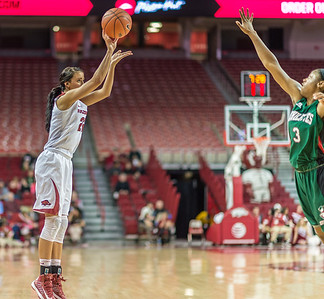 Arkansas Lady Razorbacks guard/forward Bailey Zimmerman (22) shoots during a basketball game between Arkansas and Mississippi Valley State on December 28, 2015.    (Alan Jamison, Nate Allen Sports Service)