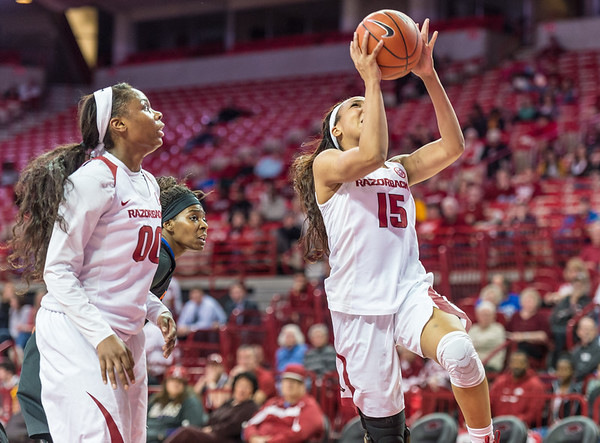 Arkansas Lady Razorbacks guard Kelsey Brooks (15) shoots during a basketball game between Arkansas Razorbacks and Florida Gators  on January 28, 2016.    (Alan Jamison, Nate Allen Sports Service)
