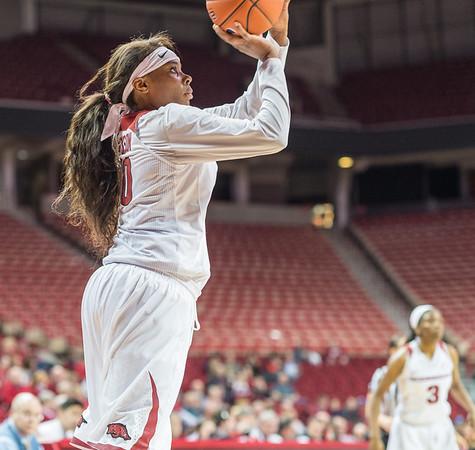 Arkansas Lady Razorbacks forward Jessica Jackson (00) shoots during a basketball game between Arkansas Razorbacks and Vanderbilt Commodores on February 8, 2016.    (Alan Jamison, Nate Allen Sports Service)