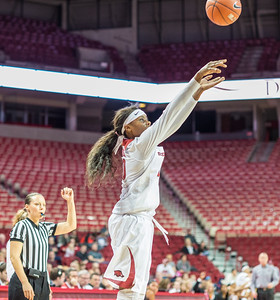 Arkansas Lady Razorbacks forward Jessica Jackson (00) shoots during a basketball game between Arkansas Razorbacks and Vanderbilt Commodores on February 8, 2016.    (Alan Jamison, Nate Allen Sports Service)