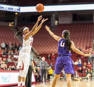 Arkansas Lady Razorbacks forward Jessica Jackson (00) shoots during a basketball game between Arkansas and LSU on Sunday, January 08, 2017.  (Alan Jamison, Nate Allen Sports Service)