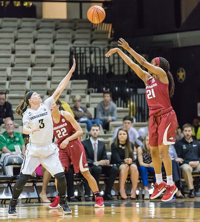 Arkansas Lady Razorbacks guard Devin Cosper (21) shoots during a game between the Arkansas Lady Razorbacks and the Vanderbilt Commodores on Sunday, 25 Feb 18, in Nashville TN.  (Alan Jamison, Nate Allen Sports Service)