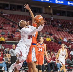 Arkansas Lady Razorbacks forward Jessica Jackson (00) with a reverse layup during a basketball game between Arkansas and Sam Houston State on Friday, November 11, 2016.  (Alan Jamison, Nate Allen Sports Service)