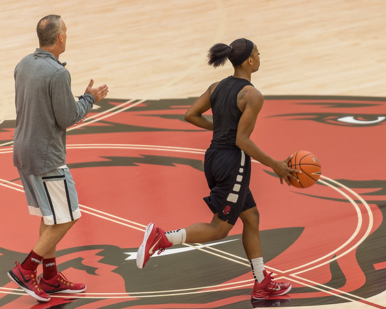 Jordan Danberry handles the ball at practice during the Women's Basketball Media Day at the new Basketball Performance Center at the University of Arkansas.  (Alan Jamison, Nate Allen Sports Service)