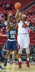 Arkansas Lady Razorbacks forward Jessica Jackson (00) shoots during a basketball game between Arkansas and Oral Roberts on December 10, 2015.    (Alan Jamison, Nate Allen Sports Service)
